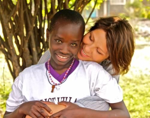 L'aiuto dei lettori e il sorriso dei bambini Continua il progetto di Alice for Children