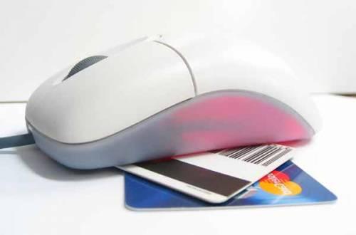 Paypal, accordo con Facebook per pagamenti online