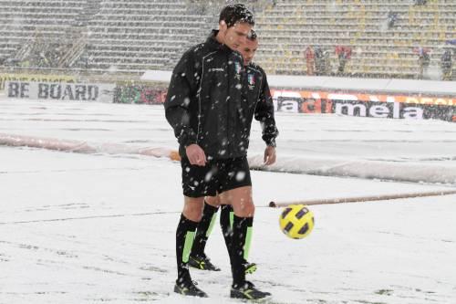 Nord Italia nella morsa del gelo  La neve ferma Bologna-Chievo