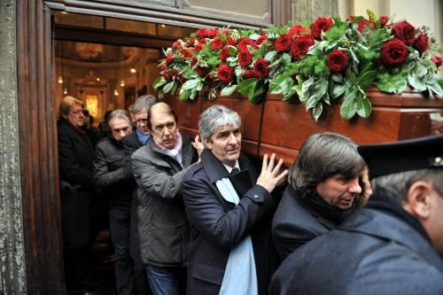 Bearzot, funerali tra gente comune e i campioni dell'82