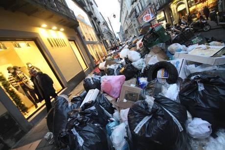 Spazzatura a Napoli, l'intervento dell'esercito