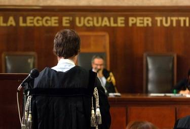 Sesso per soldi col minore? Il giudice fa carriera