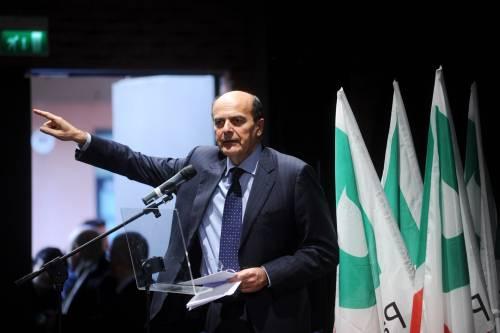 """Bersani tenta la Lega: """"Facciamo il federalismo""""  La Padania: """"Bossi non cada nella trappola"""""""