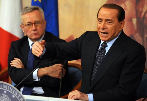 """Sviluppo, anche Tremonti si allinea a Berlusconi  """"Aperta fase diversa, ora puntiamo a crescere"""""""