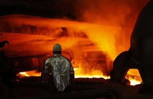 E' il boom dell'industria:  il fatturato sale del 10,1%  Istat: ai massimi dal 2001