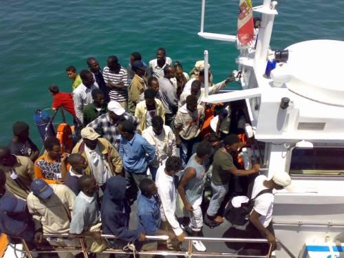 Lampedusa, maxi sbarco