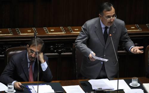 Missione in Libia, perplessi 55 parlamentari Pdl  E Formigoni: guerra tutela gli interessi francesi