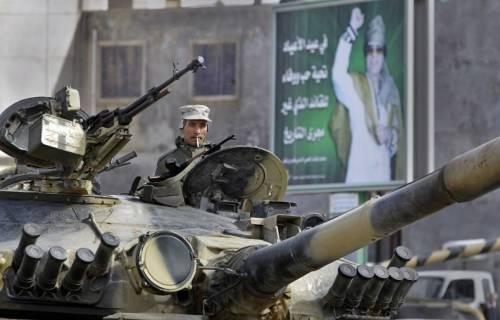 Jet francesce abbatte un aereo militare libico  Battaglia di Misurata: 109 morti e 1.300 feriti