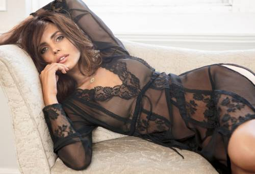 La modella Bianca Balti insulta al Cav  La Mussolini non ci sta: Tim la licenzi