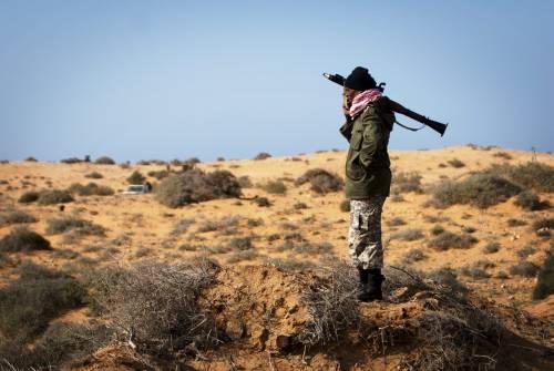 Libia, la ripicca di Sarkozy: non invita l'Italia  alla conferenza con Usa, Germania e Inghilterra