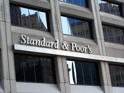 Crisi, Portogallo e Grecia declassati:  tagliati ancora i rating dei due Paesi