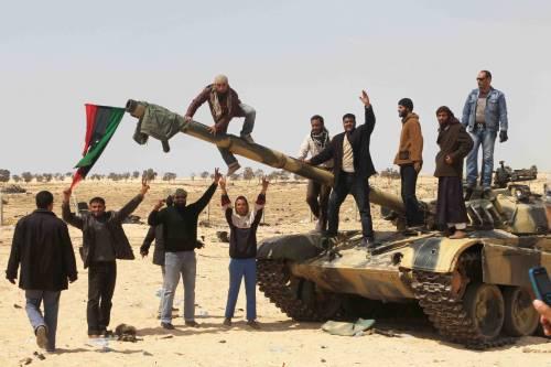 Libia, Occidente diviso tra esilio e armi ai ribelli  Ma il popolo Usa è contrario all'intervento