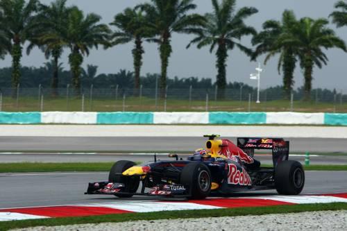 La Formula 1 a Sepang  Webber vola nelle libere  Alonso chiama la pioggia