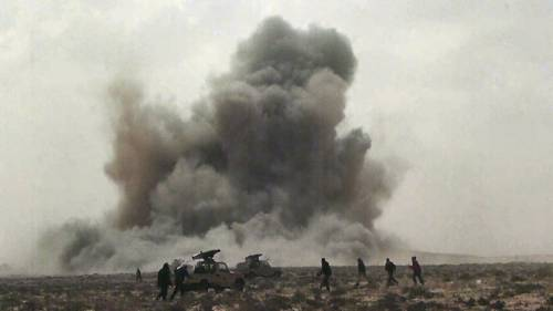 """Libia, Nato in pressing  """"Serve soluzione politica""""  E poi si scusa con i ribelli"""
