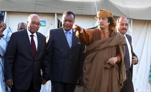 """L'Unione africana chiede il """"cessate il fuoco""""  Gheddafi accetta, ma i ribelli chiudono le porte"""