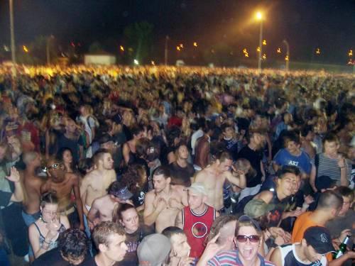 """Pugno duro contro i rave party, il Pdl in campo:  """"Fino a due anni d'arresto per gli organizzatori"""""""