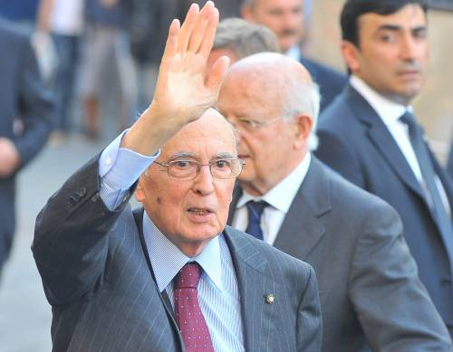 """Napolitano """"striglia"""" i parlamentari sull'etica:  In Gran Bretagna dimissioni dopo uno scandalo"""