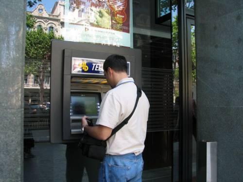 New York, attacco ai bancomat: sottratti 45 milioni di dollari