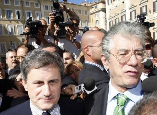 """Bossi svela: """"Porteremo due ministeri a Milano""""  Immediato stop di Alemanno: """"Sono solo balle"""""""