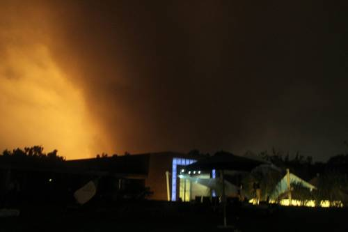 """Libia, altra notte di bombardamenti su Tripoli  Il regime accusa: """"Tre civili morti e 150 feriti"""""""