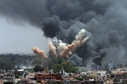 """Gheddafi in tv: """"Vivo o morto, resto a Tripoli  Non ci arrendiamo, siamo più forti dei missili"""""""