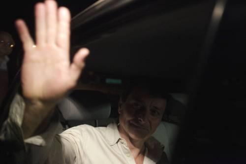 """Il Brasile libera Battisti:  l'indignazione del Colle,  la Lega: """"No ai Mondiali"""""""