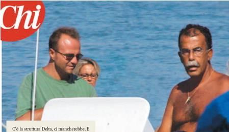 Pm e cronisti, ecco la struttura Alfa in vacanza  Il giornalista di Santoro e Woodcock al mare