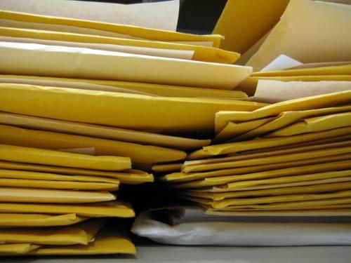 """Così si sprecano 8 milioni di euro in fotocopie  Il Consiglio di Stato vieta la mail: """"Troppo lenta"""""""