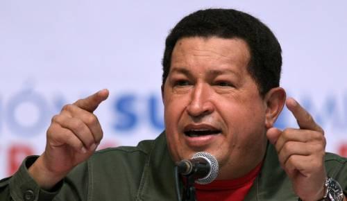 Venezuela, Chavez malato governa con Twitter