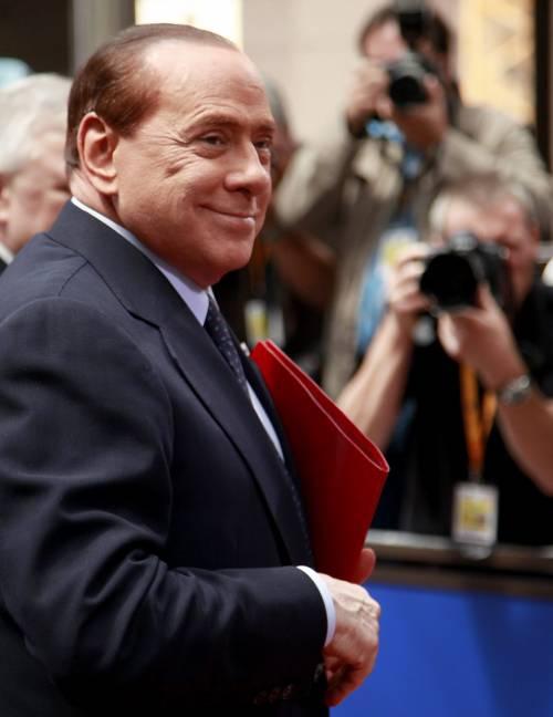 """Ma Berlusconi spegne tutte le polemiche:  """"Non ci sono rischi per la stabilità del governo"""""""