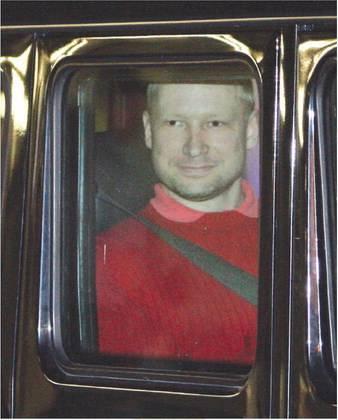 Norvegia, il killer Breivik  rischia fino a 30 anni:  crimini contro l'umanità