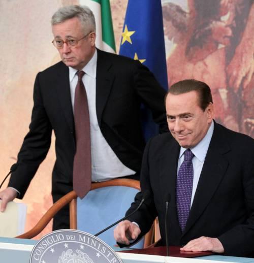 """Berlusconi soddisfatto:  """"Le misure apprezzate  dalla Merkel e Trichet"""""""