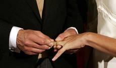 Ecco la ricetta anti crisi  del Comune di Belluno:  niente nozze la domenica