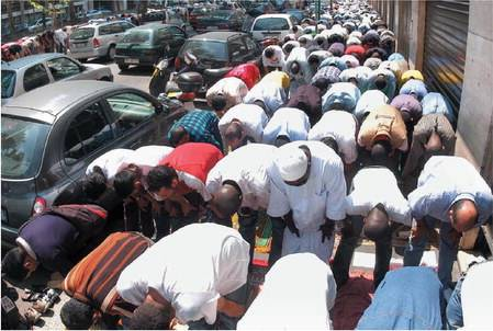 Violenza e terrorismo  nascono nelle moschee