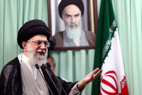 """Iran, Khamenei attacca:  """"Italia, Francia e Usa  sono regimi criminali"""""""