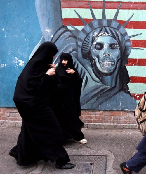 Girano un film per la Bbc:  sei cineasti indipendenti  tratti in arresto in Iran
