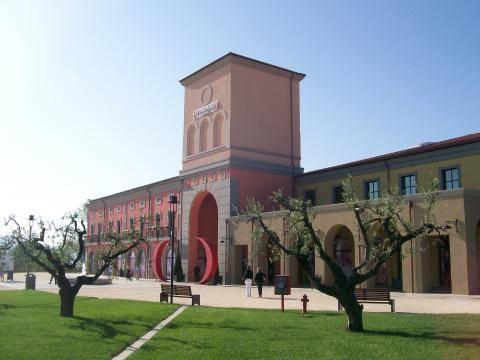 Pescara, muore a 6 anni travolta da una statua