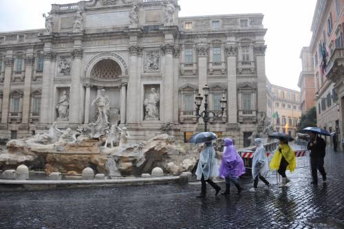 """Violento nubifragio paralizza Roma: un morto  Alemanno: """"Fronteggiarlo come un terremoto"""""""