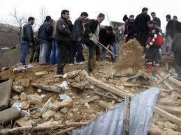 """Turchia orientale, forte scossa di terremoto  Crollate case e palazzo: """"Forse 1000 vittime"""""""