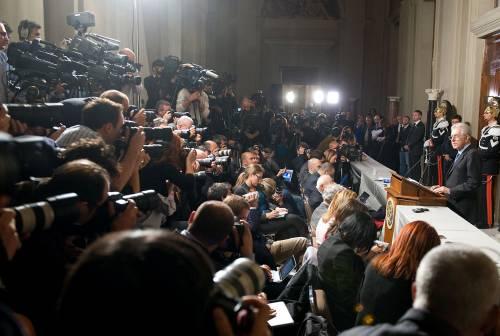 Altro che tagli ai politici Monti costa più del Cav: stipendi per 4,9 milioni