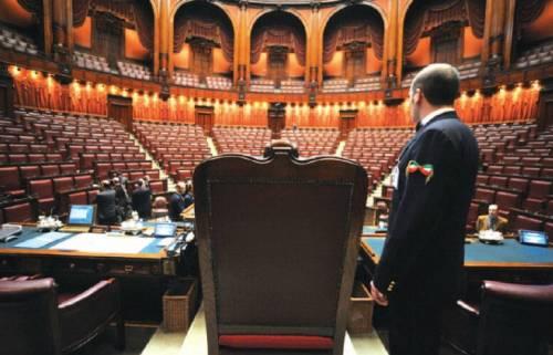Commessi da 9mila euro I privilegi della Camera