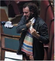 """Il governo è """"sobrio"""" ma i parlamentari no"""