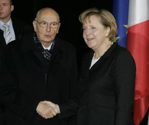 La telefonata segreta  tra la Merkel e Napolitano Berlino e Roma smentiscono