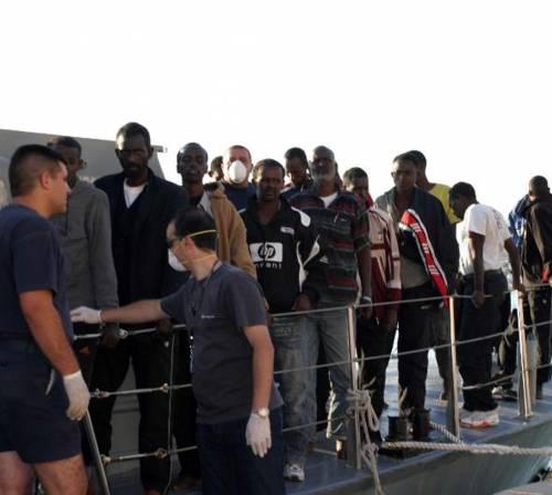 Sorpresa, puniscono solo noi <br />per aver respinto i profughi