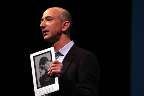 Amazon, nuovi problemi in Francia. Abbonamento Kindle? Non è legale