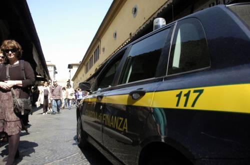 Blitz a Firenze e Milano  Orafi di Ponte Vecchio  al setaccio della Finanza