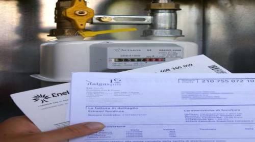 Tasse, bollette e benzina: una nuova mazzata  da 2mila euro a famiglia