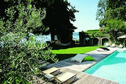 Sul lago tanto amato dai poeti il bello fa rima con arte e relax
