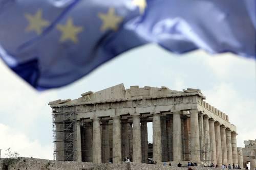 Atene fuori dall'euro?<br />Per l'Italia danni minimi <br />Già paghiamo per loro