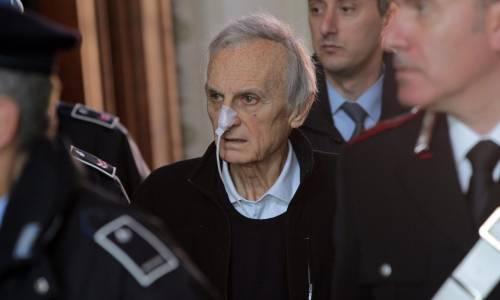 """Parmalat, Tanzi in tribunale: ora si decide sui domiciliari La difesa: """"Rischia la morte"""""""